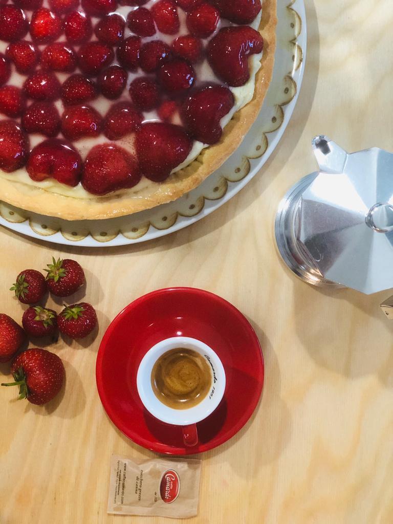 Fresca e leggera, la ricetta della torta alle fragole